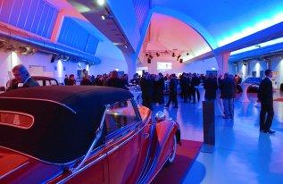 Autoausstellung Veranstaltungshalle Shedhalle