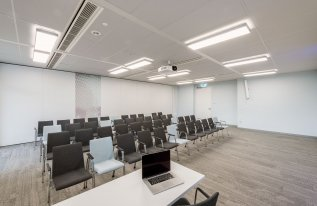 Konferenzraum Heisenberg 2 Reihenbestuhlung