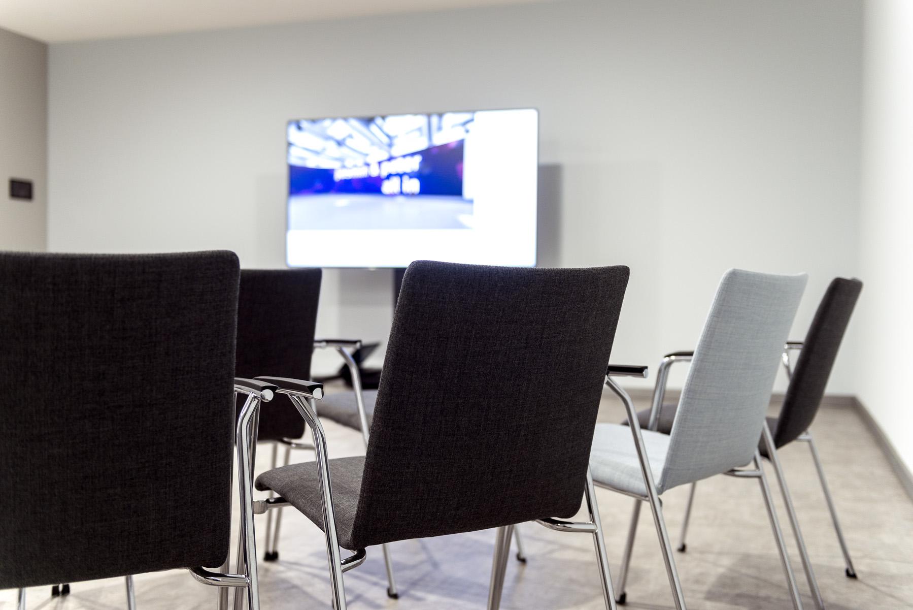 Lounge Foyer Ost Stuhlkreis