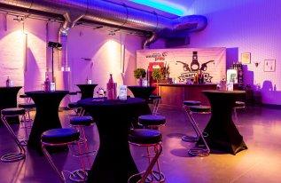 Beleuchtung und Bar in der Eventhalle Shedhalle